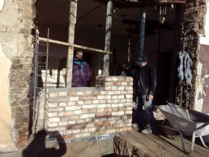 Sub presiunea timpului, un perete al Casei lui Iuliu Maniu s-a dărâmat