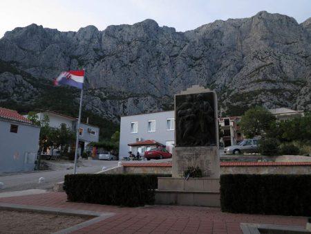 pe_bicicleta_Makarska_Croatia_11