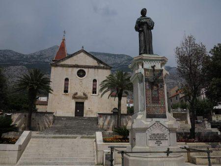 pe_bicicleta_Makarska_Croatia_6