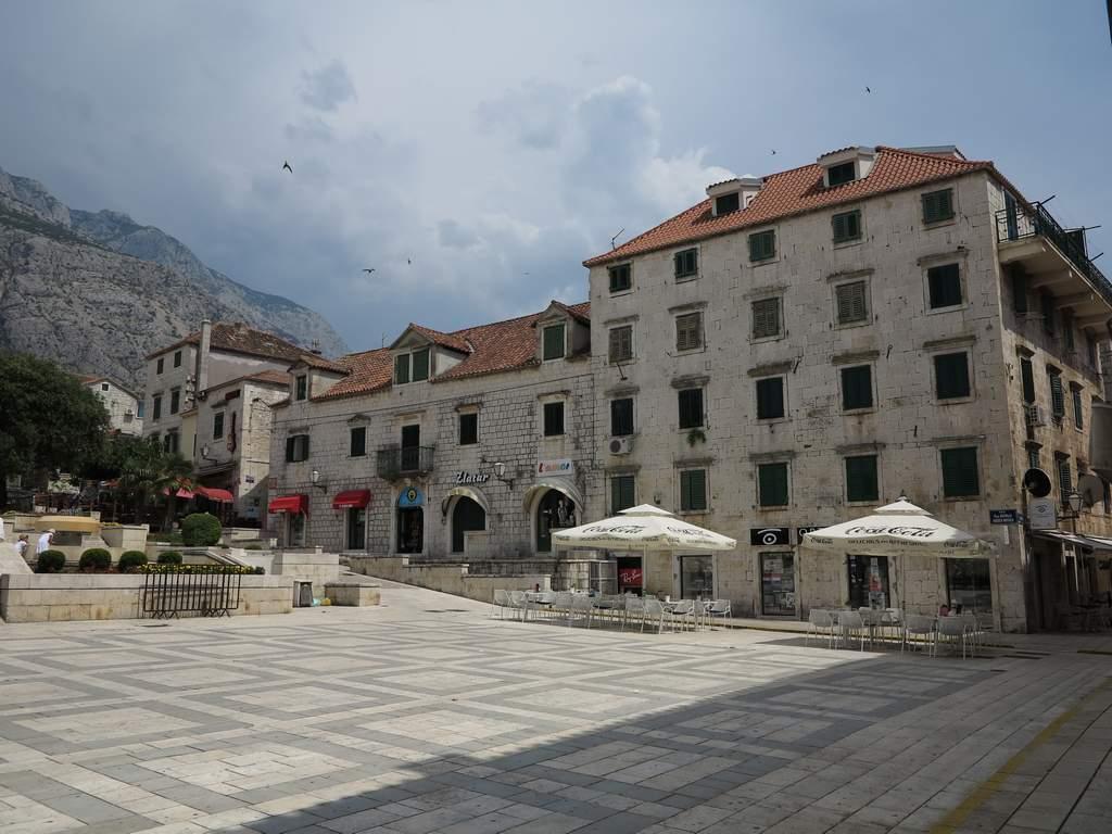 pe_bicicleta_Makarska_Croatia_7