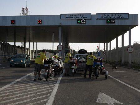 pe_bicicleta_intalnire_cu_Muntenegru_1