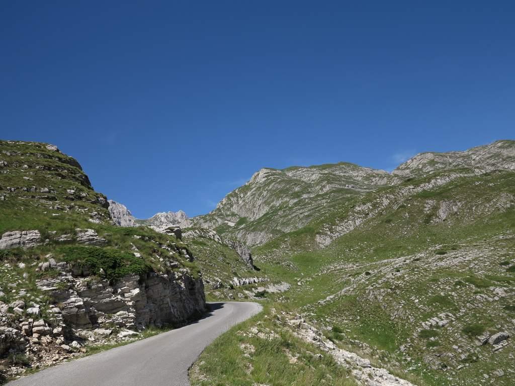pe_bicicleta_Durmitor_Muntenegru_4