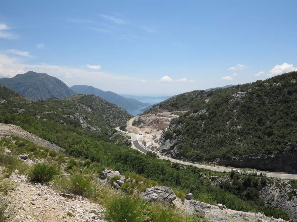 pe_bicicleta_Muntenegru_munte_1