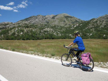 pe_bicicleta_Muntenegru_munte_4