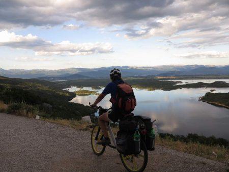 pe_bicicleta_Muntenegru_munte_7
