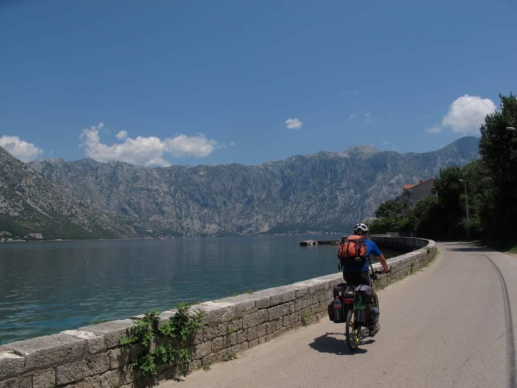 pe_bicicleta_golf_Kotor_9