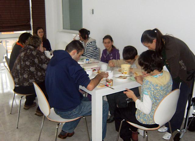 """Douăzeci de """"Voluntari RARI"""", instruiți să-i ajute pe copiii cu dizabilități produse de boli rare"""