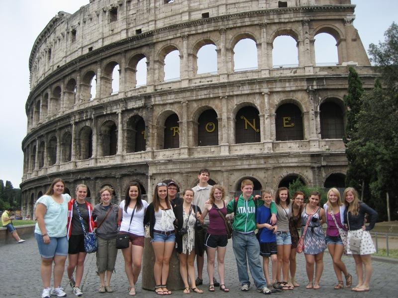 Vacanță la Roma pentru liceenii cu cele mai bune cunoștințe despre Marea Unire