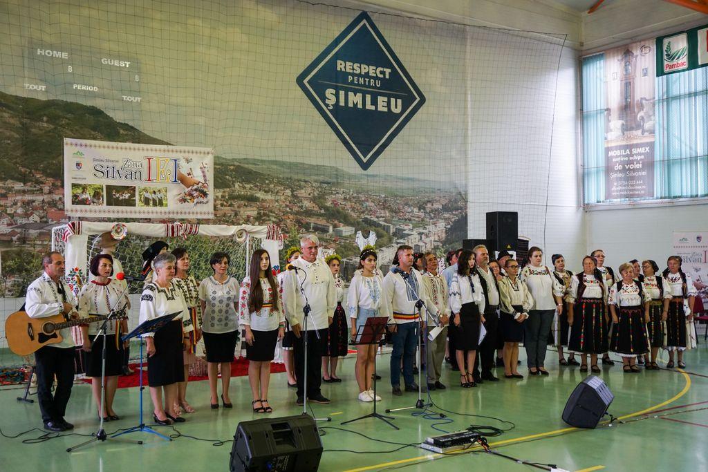 Ziua SilvanIEI. Șimleuanii au sărbătorit, într-o atmosferă caldă, prietenească, ia tradițională românească