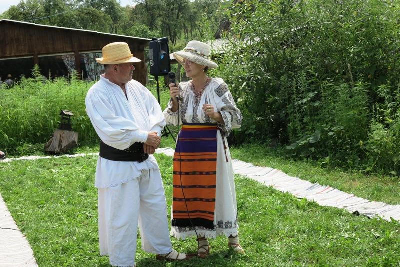 """Sălăjeanca Leontina Prodan organizează Festivalul Cânepii la Muzeul Etnografic """"Poarta de su' Feleac"""" din Cluj- Napoca"""