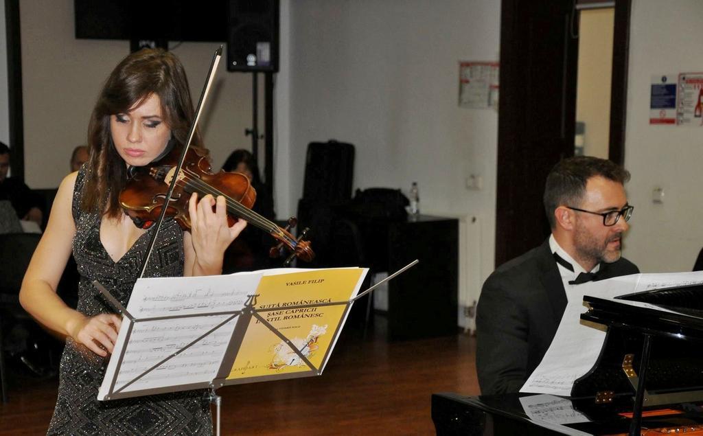 Violonista Diana Jipa şi pianistul Ştefan Doniga, în concert la Zalău și Jibou
