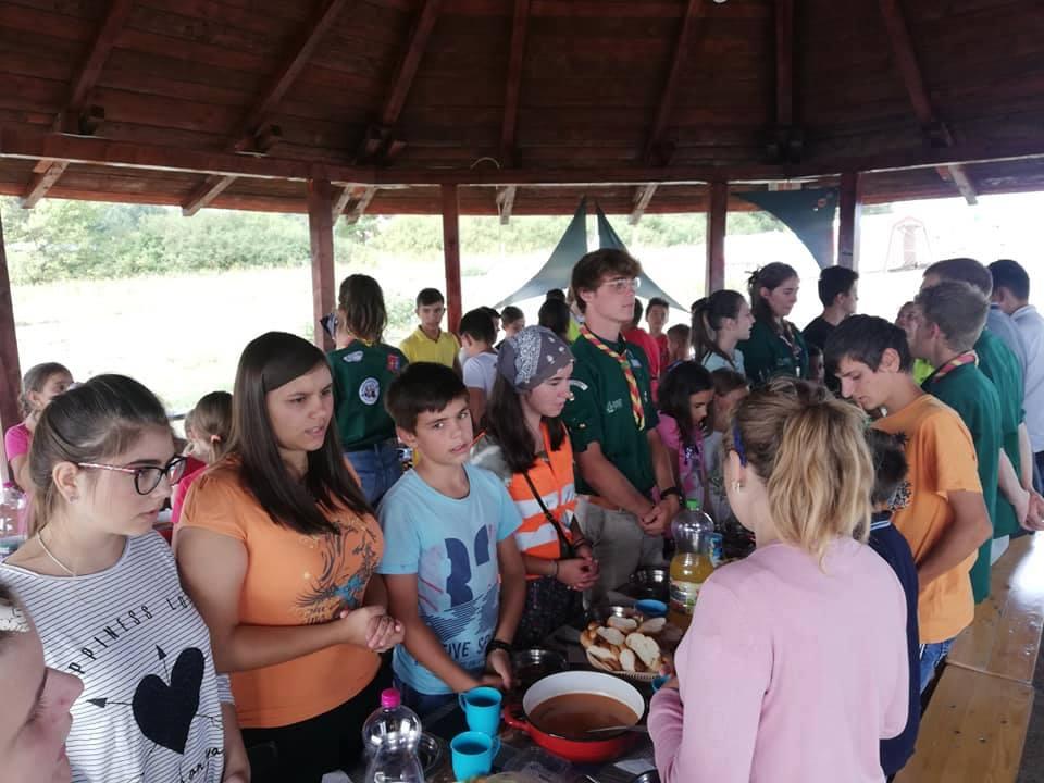 """150 de copii din județele Sălaj, Satu Mare și Cluj, la Bobota, în tabăra Asociației """"Inimioare Fericite"""", cea mai mare tabără de copii din județul Sălaj"""