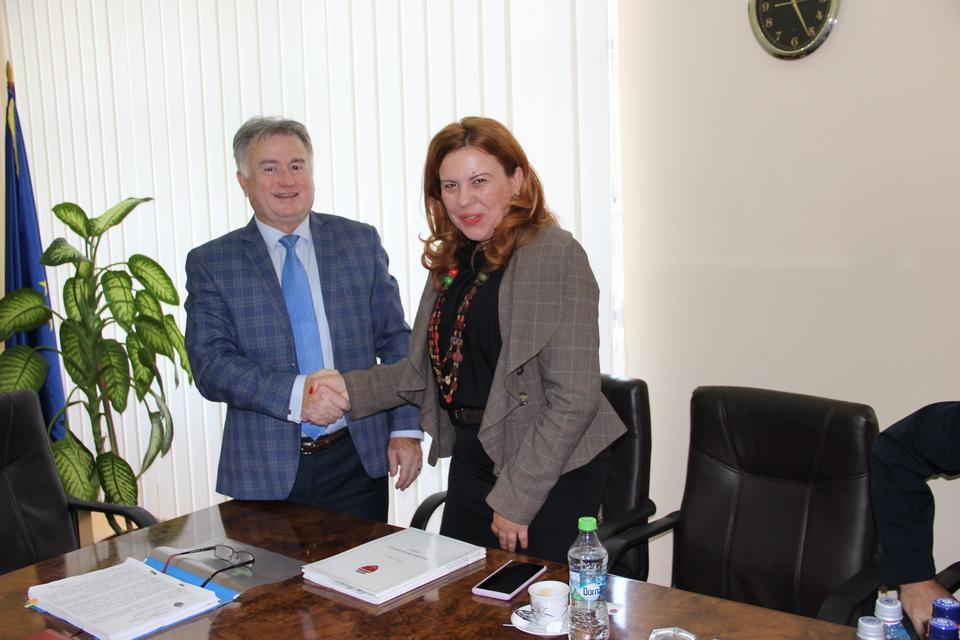 A fost semnat contractul pentru achiziția de autobuze electrice și stații de încărcare, pentru un transport public eficient, ecologic și modern în Municipiul Zalău