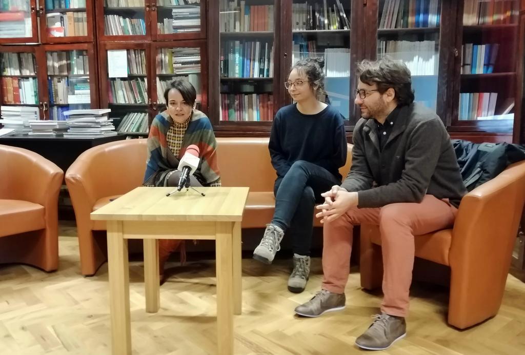 """Proiectul ,,Anonimii Migrației. Teatru Documentar Rural"""", primele rezultate: o piesă de teatru și o expoziție foto-audio"""