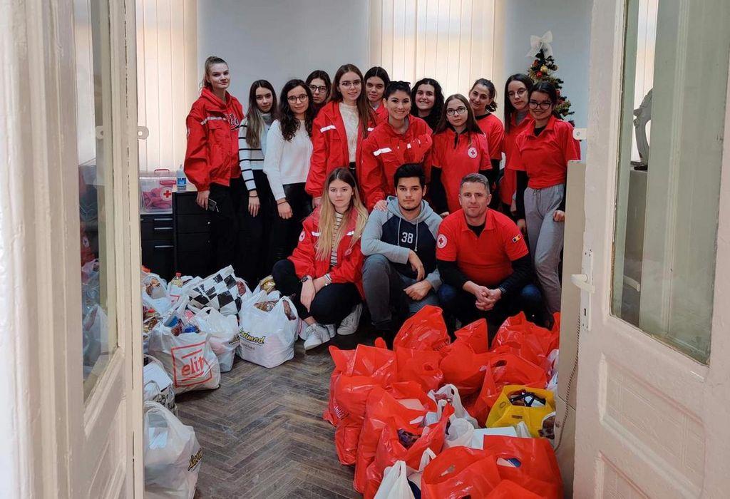 Peste 90 de familii cu o situație materială precară au primit ajutor de la Crucea Roșie - Subfiliala Șimleu Silvaniei