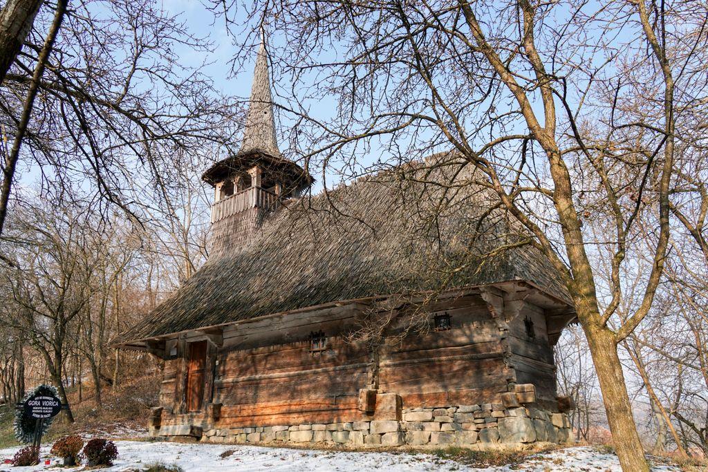 Biserica de lemn din Doba Mică, una dintre cele mai mici și mai vechi biserici din Sălaj