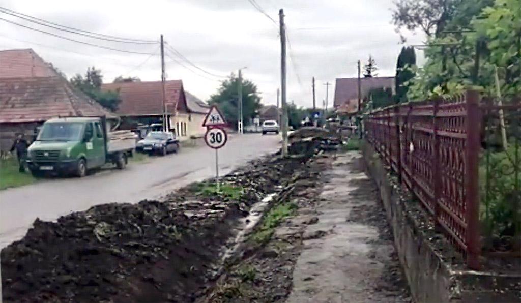 Trotuare pentru locuitorii comunei Valcău de Jos
