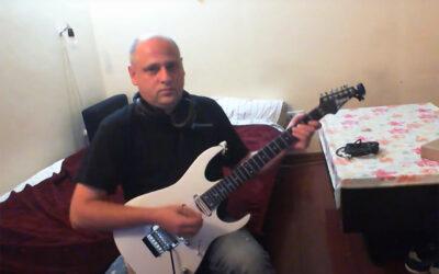 Oameni faini de pe internet: Stelian Boldea, un chitarist cu har