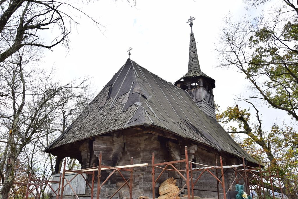 Prima investigare dendrocronologică completă a unei biserici de lemn sălăjene. Cercetări științifice de ultimă oră datează ferm biserica de lemn din Brusturi