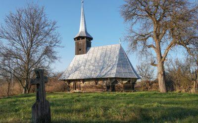 Biserica de lemn din Bălan Josani, cu o artă a dulgheriei rafinată - una din cele mai valoroase din Sălaj